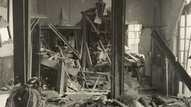 Ein Toter, 14 teils Schwerverletzte und ein zerstörtes Tramhäuschen: Der Anschlag vom 10.August 1927 war der bis anhin schlimmste.