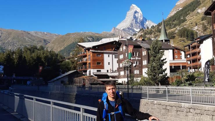 Für Hansjörg Erne geht's politisch und sportlich hoch hinaus. Seinen  40. Geburtstag feierte er in Zermatt und Monte-Rosa-Hütte.