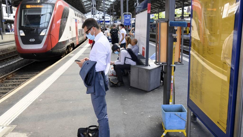 Zugausfälle wegen Lokführermangels: Laut SBB wird sich die Lage bis Ende des Jahres wieder normalisieren. (Archivbild)