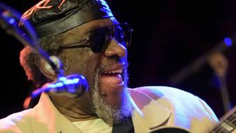 James Blood Ulmer ist nicht bekannt für eine filigrane Technik, in Willisau schien der 78-jährige Gitarrist aber einfach nicht richtig in die Gänge zu kommen