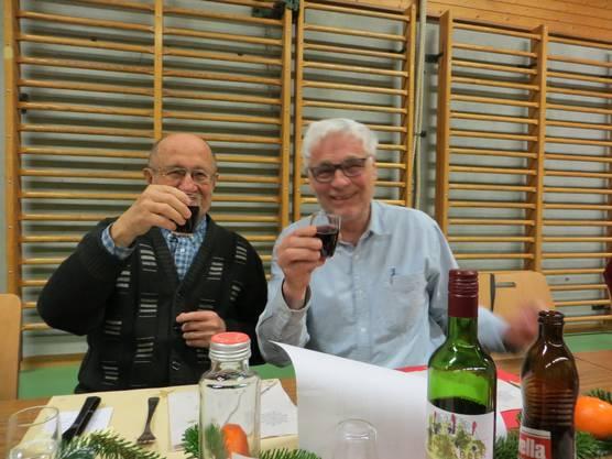 Ja, das bin ich links und der frühere Ex-Gemeindepräsident Hans Plattner aus Frenkendorf.