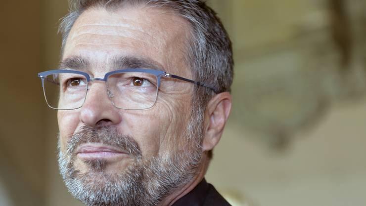 Stefan Gubser wirbt am 14. März 2018, am Internationalen Tag des Zuhörens, in Zürich für die Dargebotene Hand, Tel. 143. (Archiv)