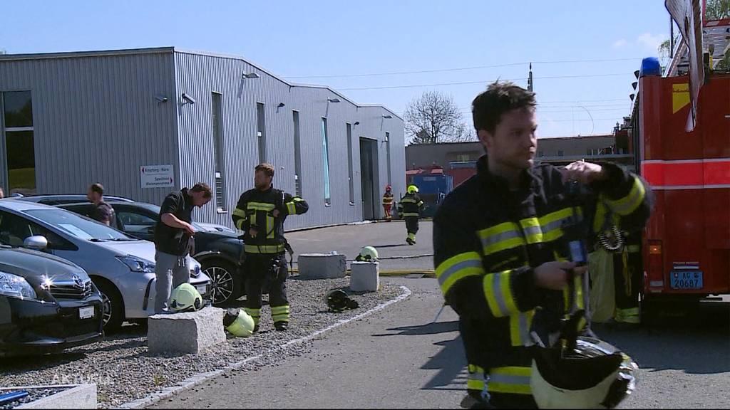 Flüssigkeit fing in Sinser Metallfabrik Feuer