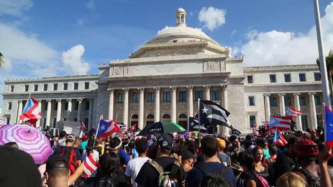 Demonstrationen gegen die Regierung