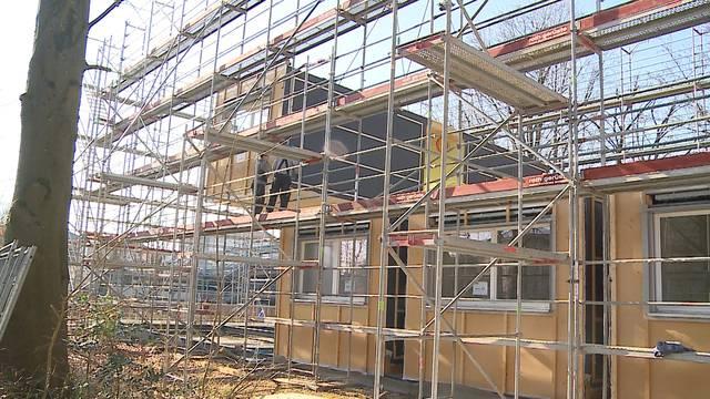 Kantonsspital Aarau verschiebt ein komplettes Haus