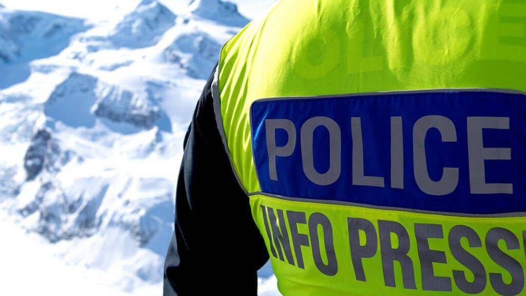 Am Fuss des Täschhorns im Wallis haben Rettungskräfte zwei tote Bergsteiger geborgen.