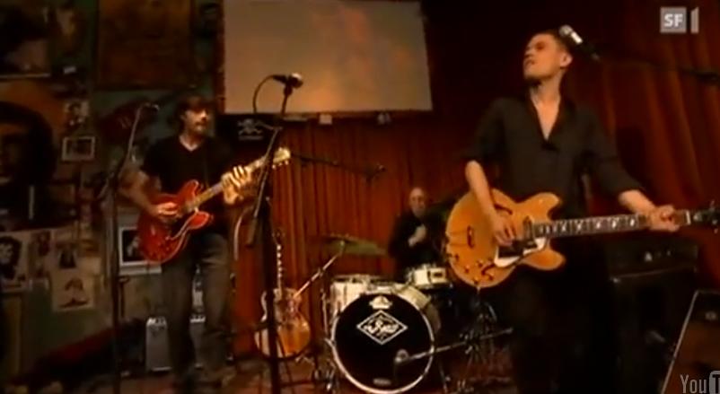 Live im El Lokal 2012: Adrian Weyermann, Adrian Stern und Düde Dürst. Im Publikum: Toni Vescoli