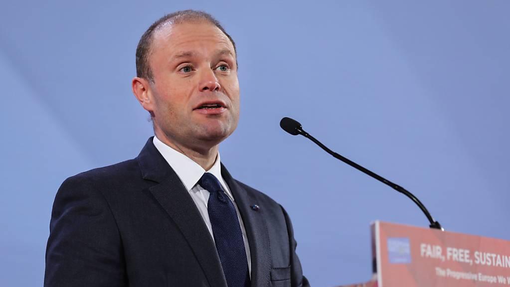 Das EU-Parlament will, dass er sofort zurücktritt: Joseph Muscat, Premierminister von Malta.  (Archivbild)