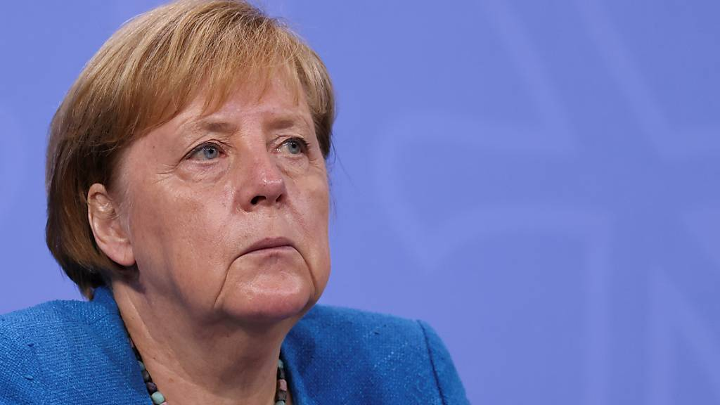 Bundeskanzlerin Angela Merkel (CDU) bei einer Pressekonferenz. (Archivbild) Foto: Christian Mang/Reuters/Pool/dpa