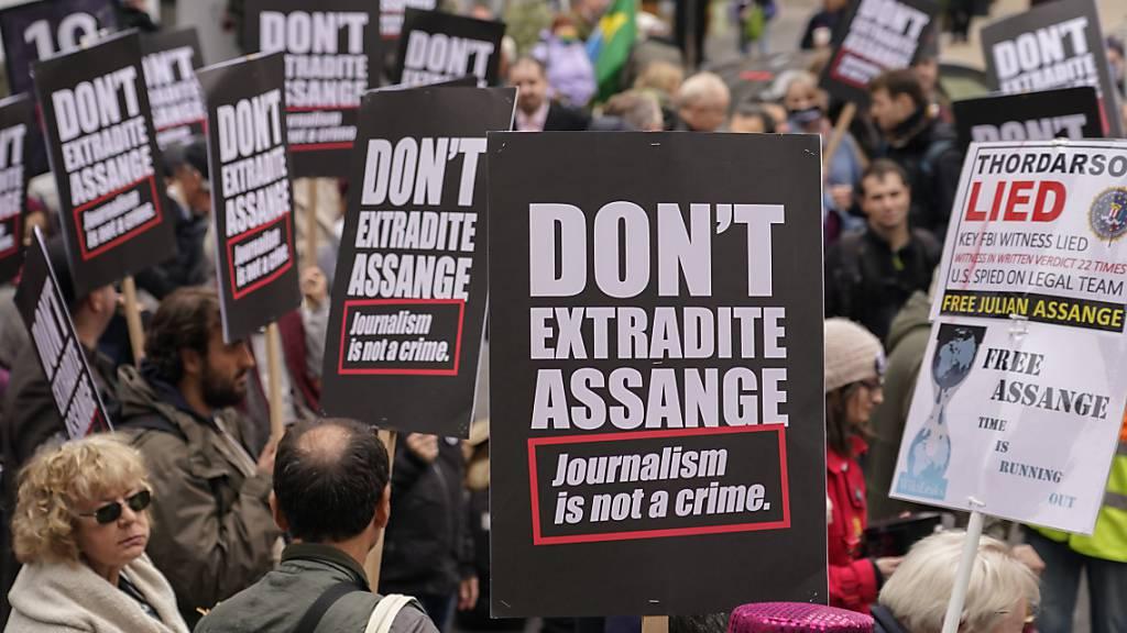 Amnesty fordert Freilassung von Julian Assange