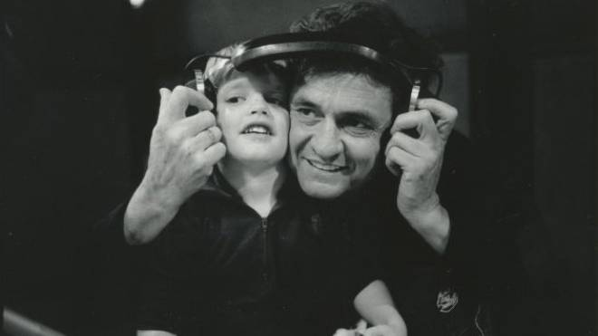 Johnny Cash mit seinem Sohn John Carter Cash. Foto: Jim Marshall Photography