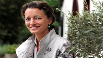 Esther Maag vor dem «Talhaus», das auch ihrem Konkurrenten gehört.