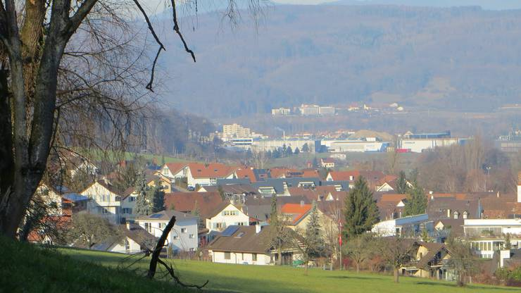 Der Blick auf Frenkendorf und auch schon ins Badische über den Rhein hinüber. Hier sieht man leider nicht ins Dorf nach Füllinsdorf