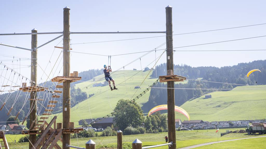 Zipline-Park und Märliwelt am Kronberg nun eröffnet