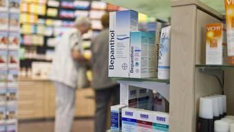 Apothekerinnen und Apotheker sollen ihre Kunden vor der Abgabe von verschreibungspflichtigen Arzneimitteln fachlich beraten müssen.