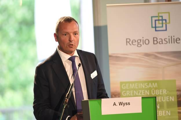 André Wyss bei Vortrag Regio Basiliensis.