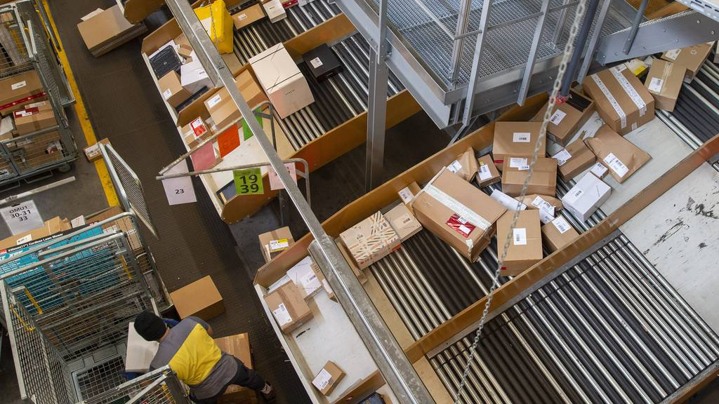 Rekord wegen Coronakrise: Post verarbeitete im April 17 Millionen Pakete