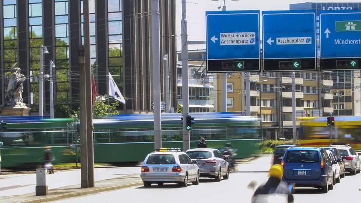 Der Verkehrsknotenpunkt Aeschengraben.