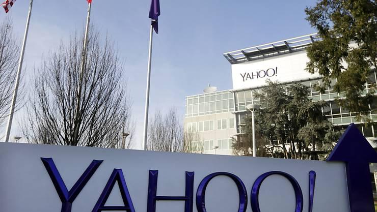 Der Internetdienstleister Yahoo erwirtschaftete im ersten Quartal 2017 einen Gewinn von rund 100 Millionen Dollar. (Archivbild)