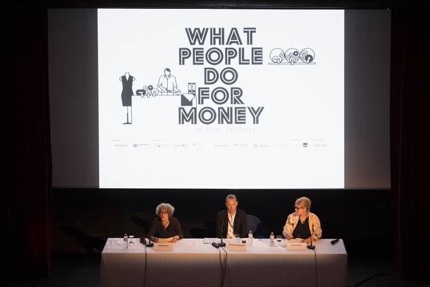 Stadtpraesidentin Corine Mauch, Christian Jankowski, Kurator, und Hedwig Fijen, Direktorin Manifesta, von links nach rechts, sprechen anlaesslich einer Eroeffnungspressekonferenz der Manifesta 11