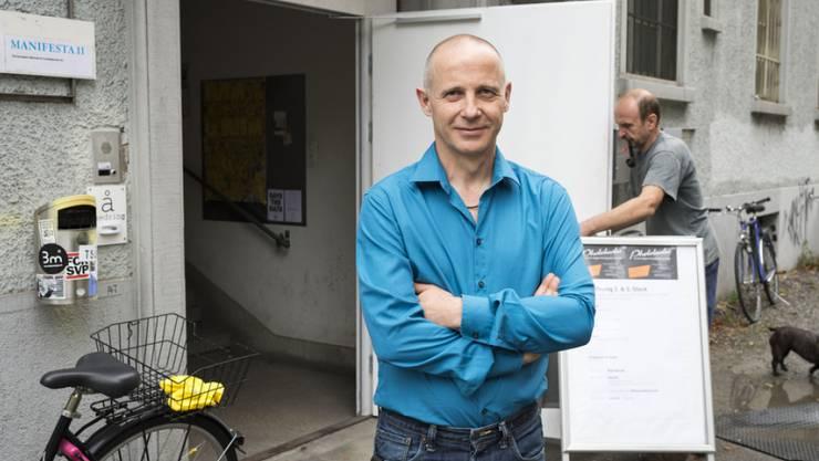 Romano Zerbini, Geschäftsleiter der Photobastei, möchte den Schweizer Modefotografen Hans Feurer auch in seiner Heimat bekannt machen (Archiv)