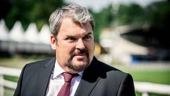 So kennt man den «Bestatter» Mike Müller (55) als Luc Conrad.
