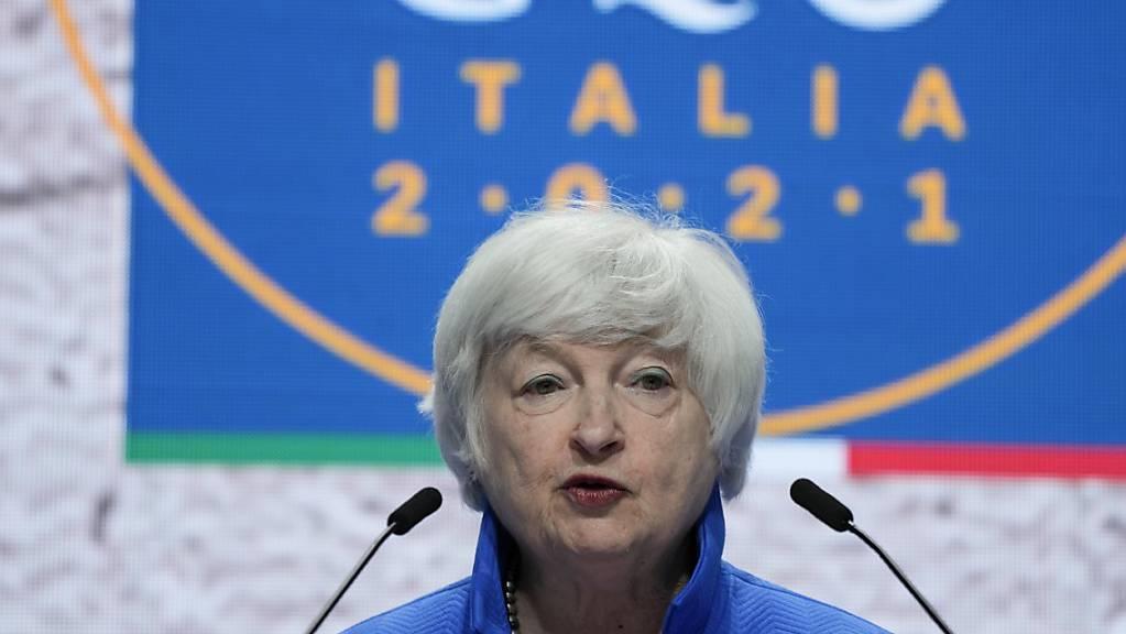Janet Yellen, Finanzministerin der USA, spricht auf einer Pressekonferenz nach dem G20-Gipfel der Wirtschafts- und Finanzminister. Foto: Luca Bruno/AP/dpa