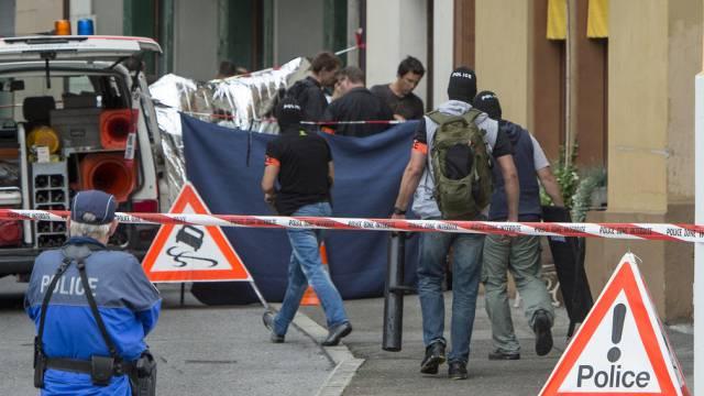 Polizei vor dem Tatort in Vevey
