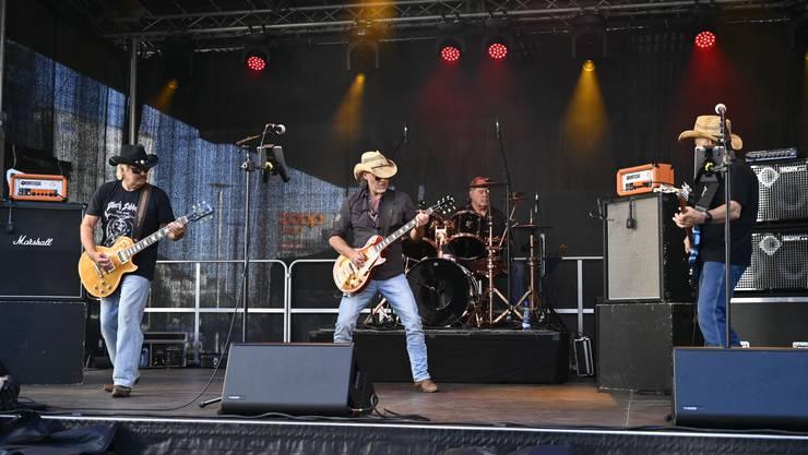 Den Auftakt machten «Hardroad», die sich früher «Blues Rock Machine» nannten.