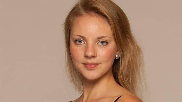 Corinna Meienberg unterrichtet, dirigiert und tritt selber sowohl als Solistin als auch in Formationen auf.