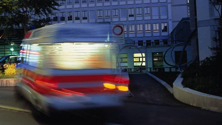 Frau von Uetlibergbahn mitgeschleift und schwer verletzt. (Symbolbild)