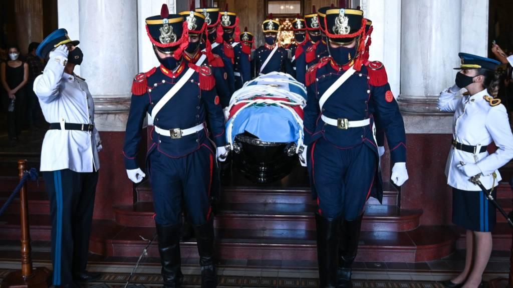 Argentiniens Ex-Präsident Menem mit militärischen Ehren beigesetzt