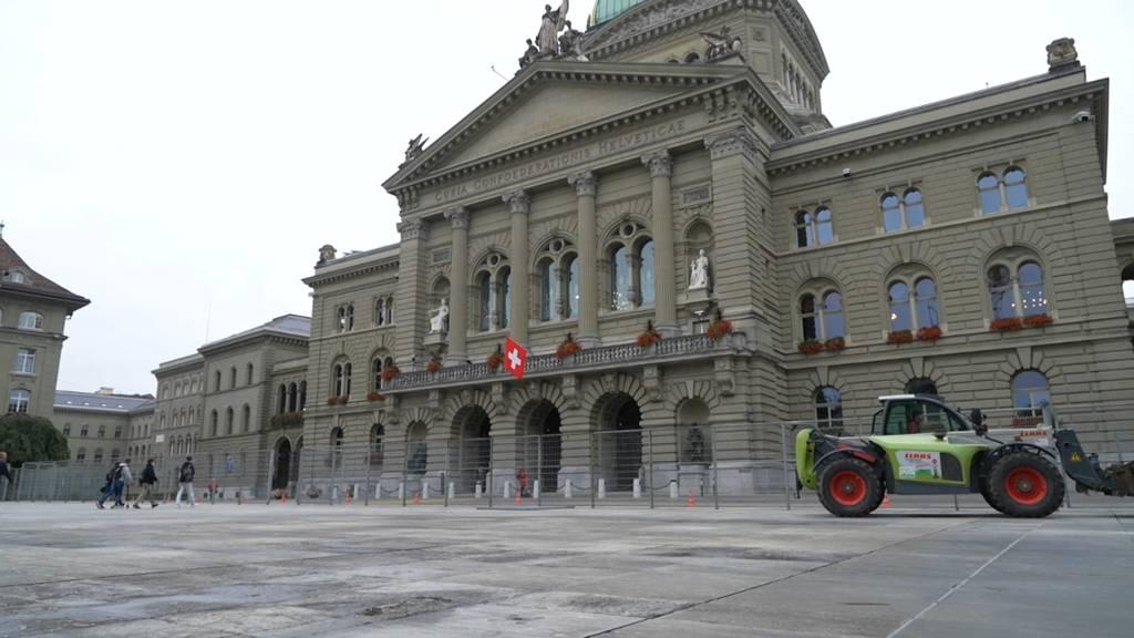 Wegen angekündigter Demo: Schutzzaun vor Bundeshaus montiert