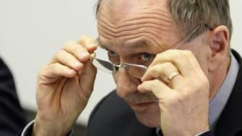 Justizdirektor Martin Graf erneut vor den Medien