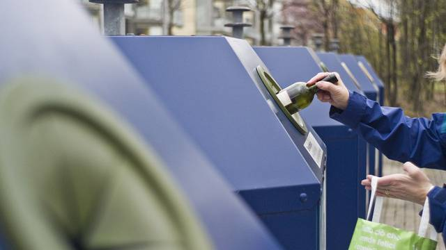 2011 wurden 315'383 Tonnen PET, Alu und Glas gesammelt (Symbolbild)