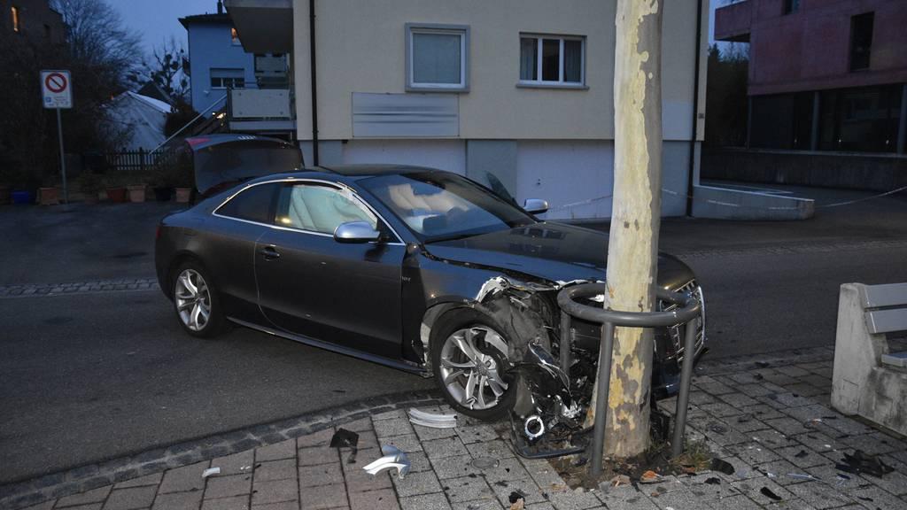 Autofahrer verursacht Unfall wegen Kaugummi