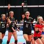 Die deutschen Volleyballerinnen freuen an der EM über den 3:2-Coup gegen Rekordchampion Russland