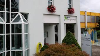 Das Bergdietiker Gemeindehaus bleibt am Freitagnachmittag geschlossen. (Archiv)
