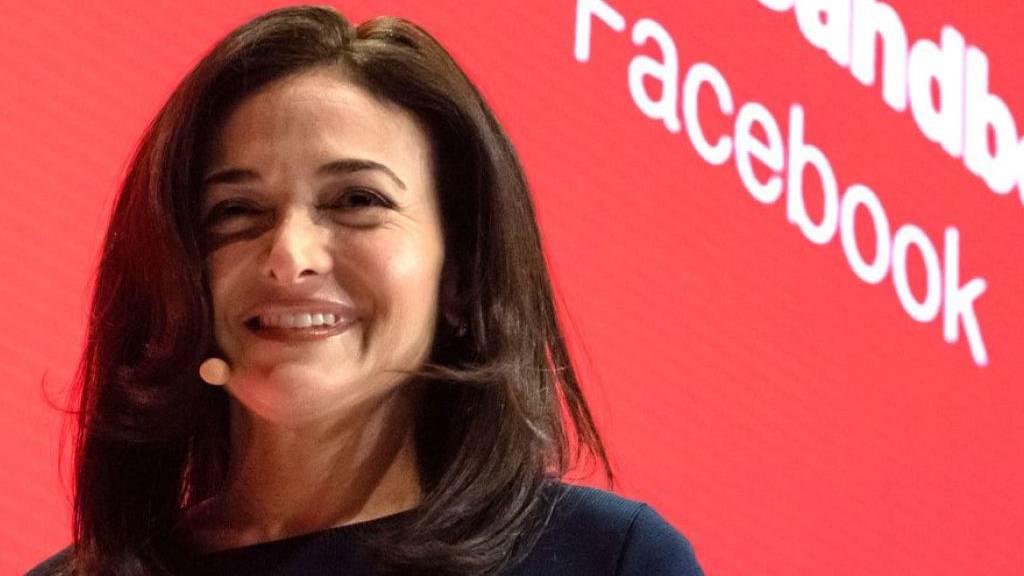 Facebook-Geschäftsführerin Sandberg gibt Verlobung bekannt