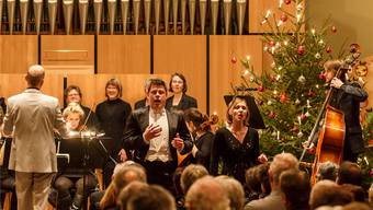 Dirigent Reimar Walthert und Solistin Melanie Gehrig (r.) gefielen mit ihren Darbietungen. Hanspeter Bärtschi