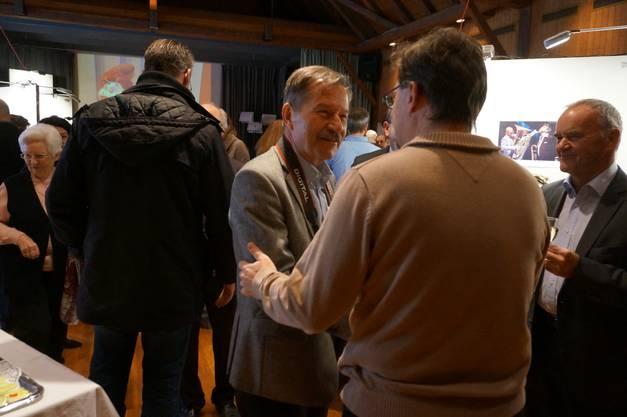 Peter Mohr ist FDP-Praesident von Oetwil und hat den Neujahrsapero organisiert (im Bild)