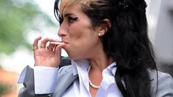 Amy Winehouse will Mann nicht mit Burlesque-Tänzerin teilen