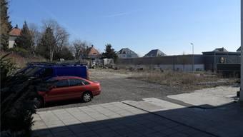 Auf dem Areal des abgebrochenen Bauernhauses an der Bettlachstrasse ist eine Wohnüberbauung geplant.Oliver Menge