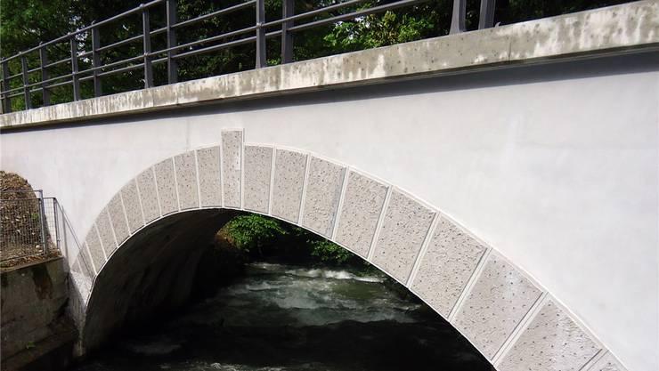Die Aabachbrücke der Seetalbahn wurde saniert und dient nun der Radwanderroute.