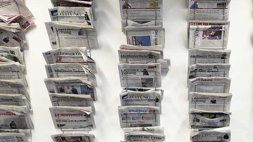 Defekte Zugtüren und immer mehr Schweizer mit Mehrfachjobs in den Sonntagszeitungen