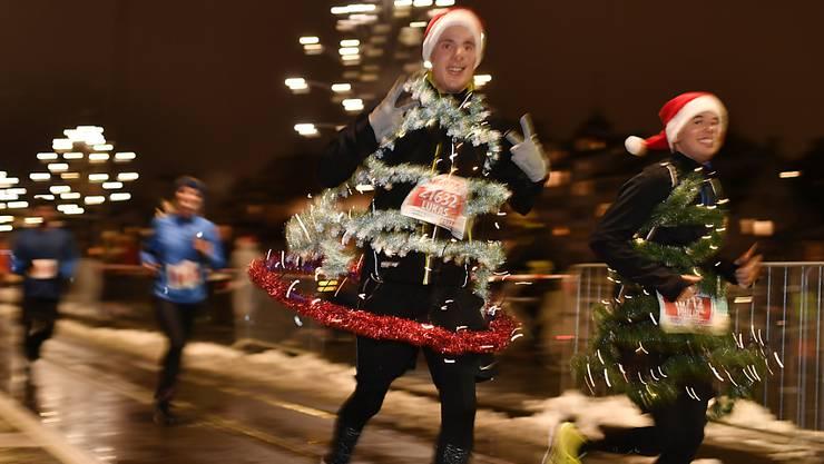 Zürcher Silvesterlauf für findet einmal am Stadtrand statt. (Archivbild)