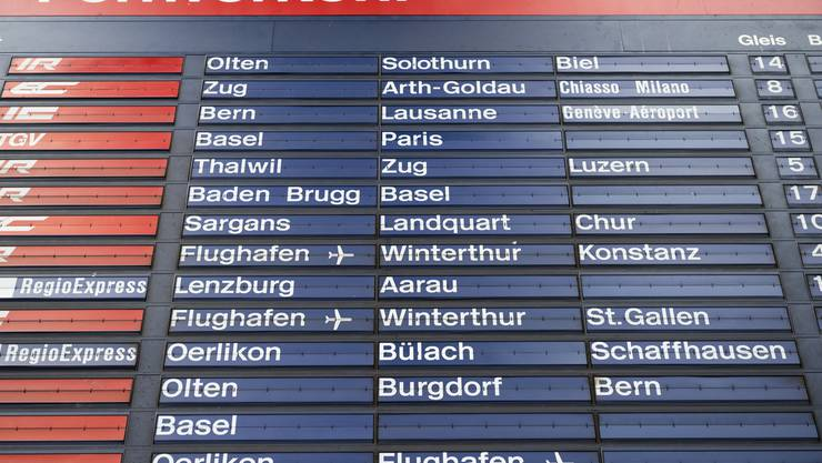 Ist Geschichte: Die mechanische Fallblattanzeige am Hauptbahnhof in Zuerich