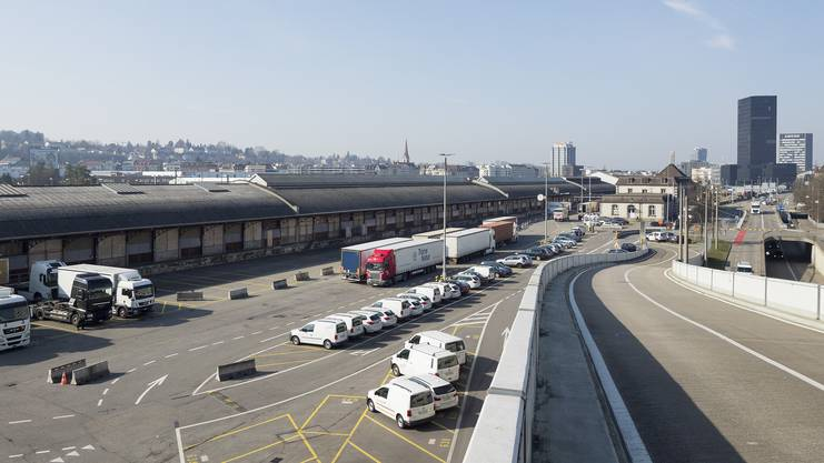 Dieses Gebiet wird umgenutzt (Blick vom UAG-Gebäude über das langgezogene Areal Richtung Gundeli/Grosspeter). Kenneth Nars