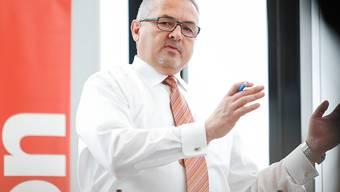 Oerlikon-Konzernchef Roland Fischer will die Getriebesparte am 11. Juli an die Schweizer Börse bringen. (Archiv)