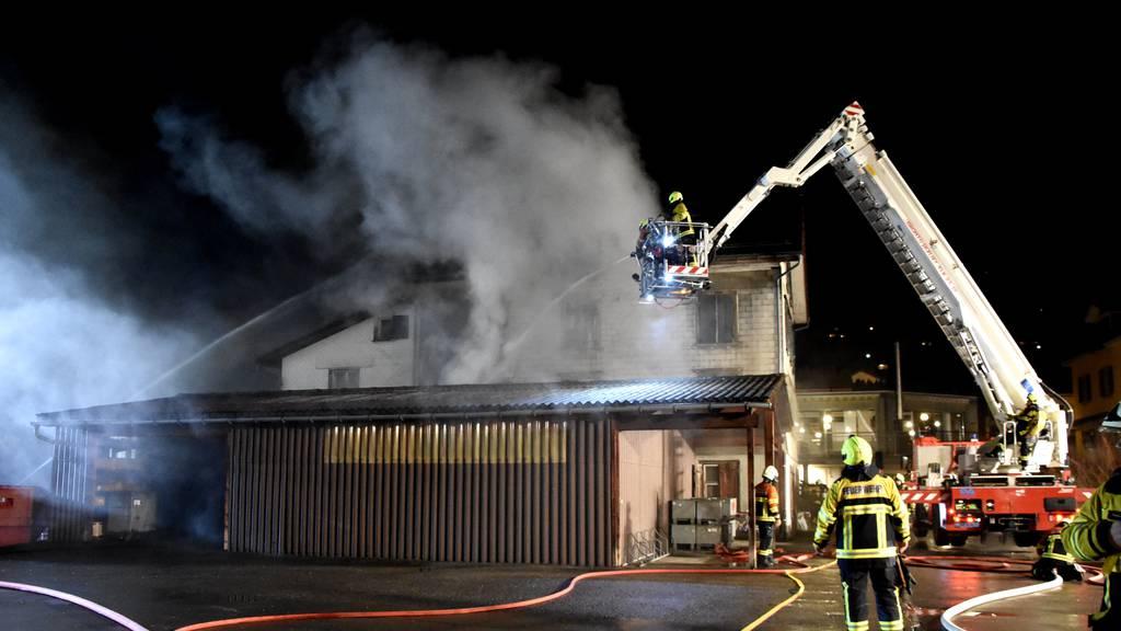 Leerstehendes Haus gerät in Brand